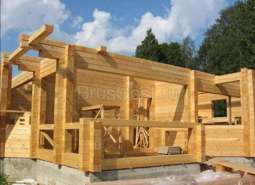 Как самому построить дом из бруса?